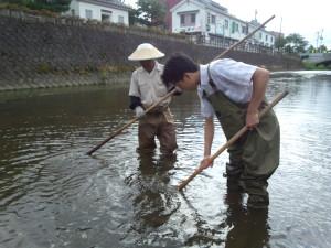環境保全のための「藻刈り」